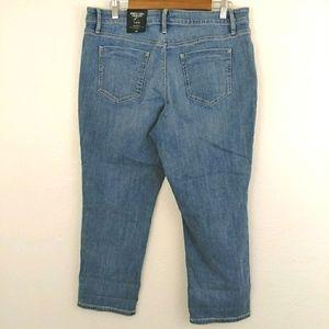 Simply Vera Wang Mid Rise Denim Capri Jeans